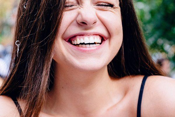 Arī smiešanās var būt zāles?