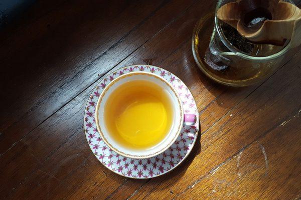 Melnās tējas baudījums