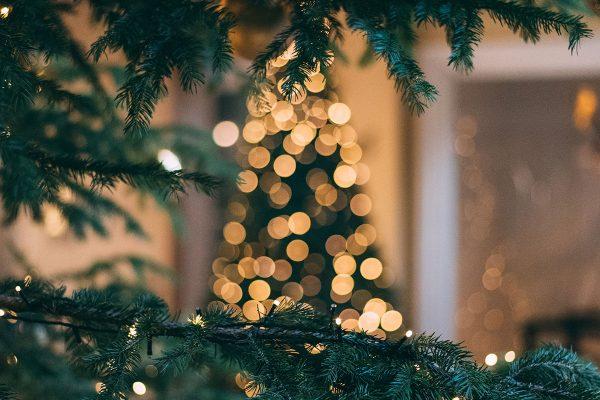 Izbaudiet Ziemassvētku burvību!