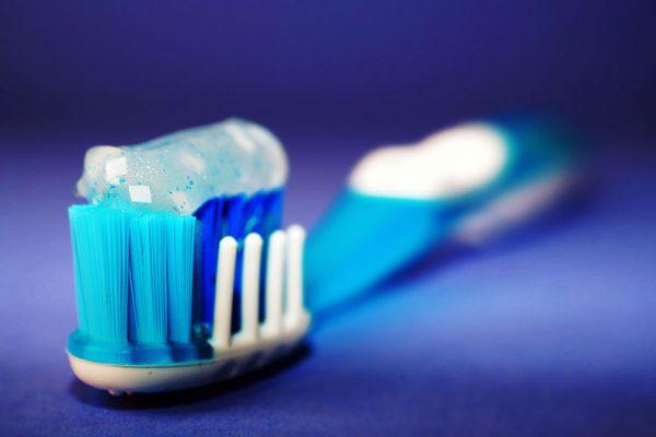 Kā izvēlēties saviem zobiem vispiemērotāko zobu pastu?