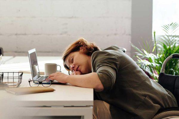 Vai jūtaties saguruši darba laikā?