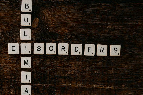 """Otra """"modernā"""" slimība – bulīmija"""
