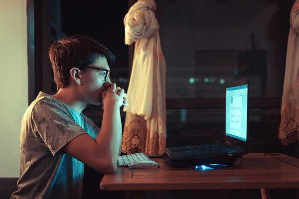 Darbs pie datora ekrāna – drauds mūsu redzei