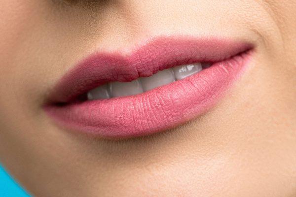 Mutes dobuma gļotādu ārstējoši un kopjoši līdzekļi